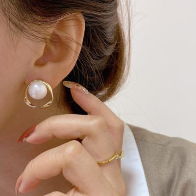 렌보 진주 골드 포인트 귀걸이 925