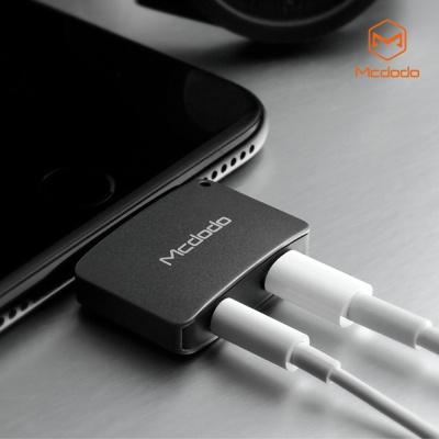 [Mcdodo] 라이트닝 오디오 + 충전 어댑터 New version