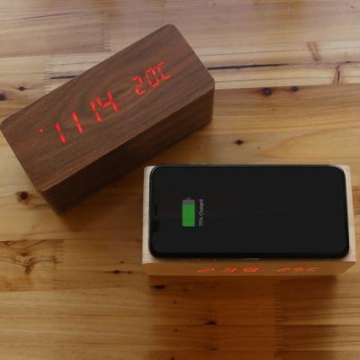 재클린 LED 우드 시계 고속 무선충전기