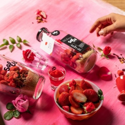 살룻 딸기주 담금주키트 '틀림없이 사랑에 빠집니다' 특별기획 선물세트 (500ml 미니 담금주 키트 1구 + 샷잔 2구)