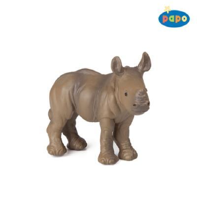아기 코뿔소