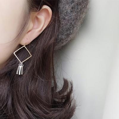 귀걸이 이어링 체인 삼단라인 태슬포인트 유니크
