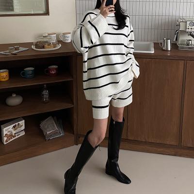 [Set] Stripe Round Knit + Shorts