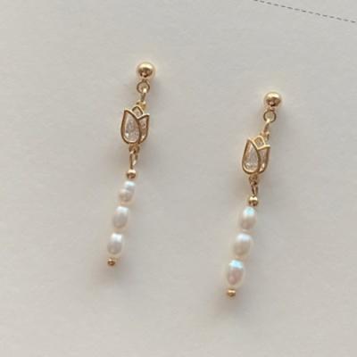 튤립 담수진주 귀걸이 (2color / 귀찌 가능)