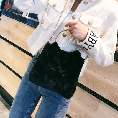 퍼링 복실 퍼 털가방 체인 숄더백 크로스백 겨울가방