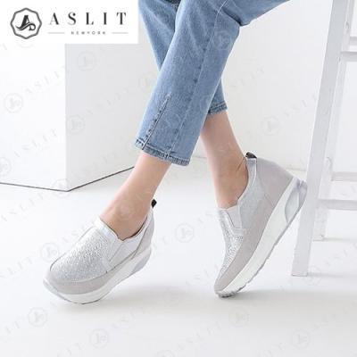 [애슬릿]발 편한 키높이 큐빅 패턴 슬립온 운동화