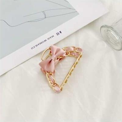 러블리한 금속 새틴 패브릭 집게핀 머리핀 색상 핑크