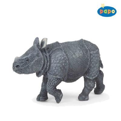 아기 인도 코뿔소