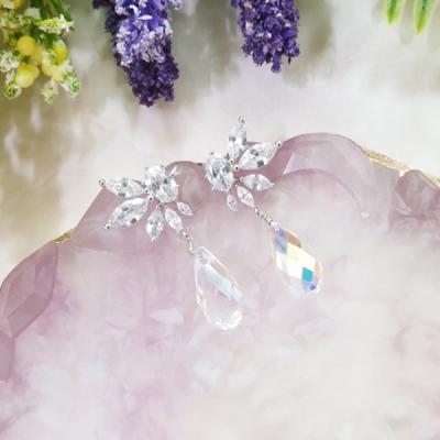 [쥬아나윤]날개 크리스탈 스와로브스키 드롭 귀걸이