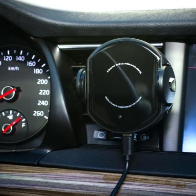 디셈 차량용 모션 무선거치대+시거잭+대시보드 DH-A01