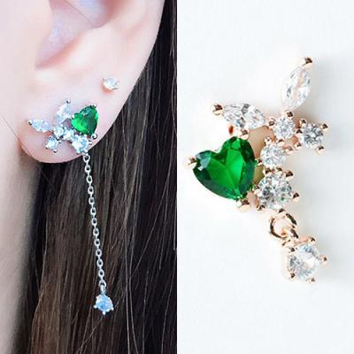 [애슬릿]제니스 언발 그린 하트 큐빅 드롭 귀걸이