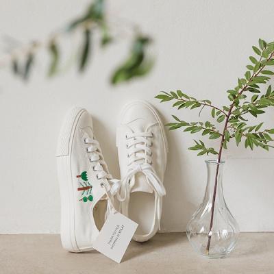 스틸렛(stilat) 나무 스티치 스니커즈