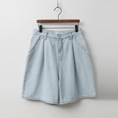 Light Pintuck Denim Shorts