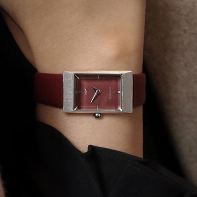 여자 시계 브랜드 가죽 손목시계 그리드 버건디 실버