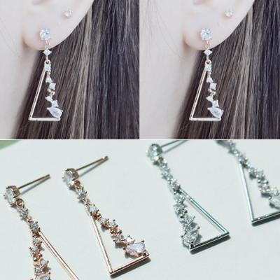[애슬릿]제니스 삼각 큐빅 드롭 귀걸이