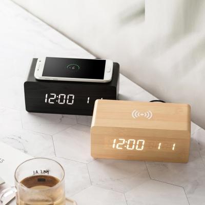 플라이토 우드 무선충전 데이트 LED 탁상시계
