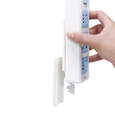 벽부착 브라켓 콘센트 멀티탭 소품정리 만능 다용도