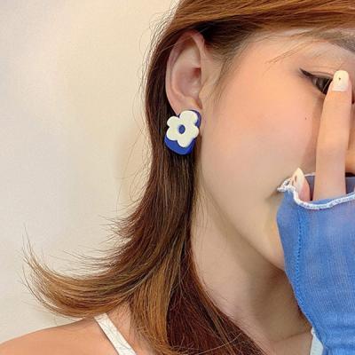 핀텔 컬러감좋은 레이어드 플라워 블루 귀걸이 925