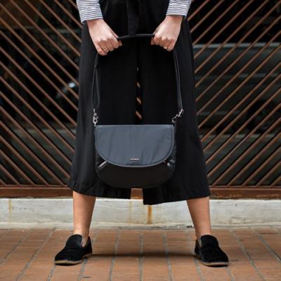 [팩세이프]Stylesafe crossbody Black 공식수입정품