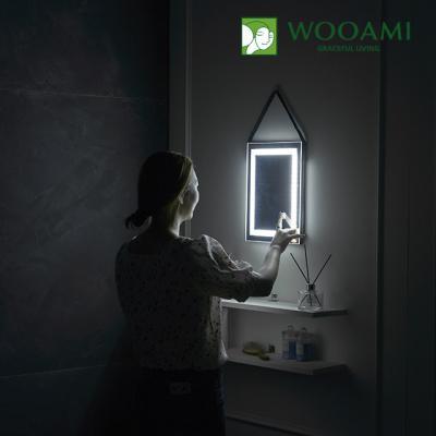 [우아미] 퍼블릭 LED 터치 사각 스트랩 벽걸이 거울