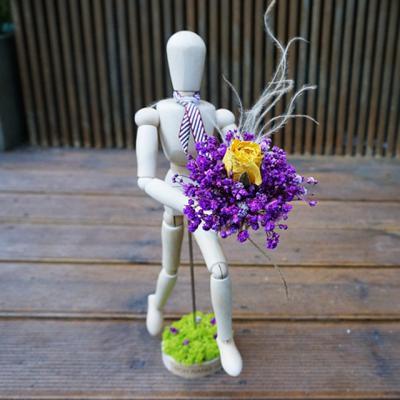 로랑 프리저브드 목각인형 꽃다발 (랄랄라 안개로즈)