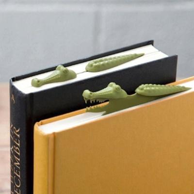 누워있는 악어 책갈피 3개 캐릭터 북마크 디자인 클립