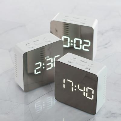 플라이토 미러 정사각 LED 탁상시계 인테리어 소품