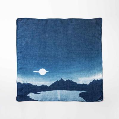달을 품은 넥 스카프