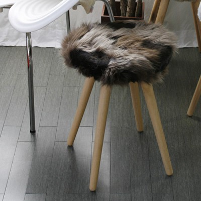 wolf2 doughnut stool