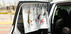 작가의 그림이 담긴 차량용 햇빛가리개
