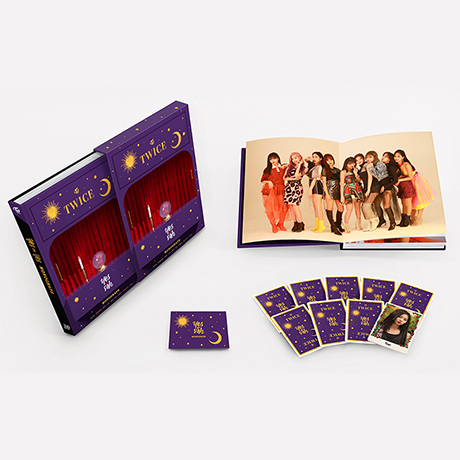 YES OR YES: MONOGRAPH [포토북+포토카드] [한정판]