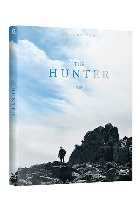  :   [THE HUNTER]