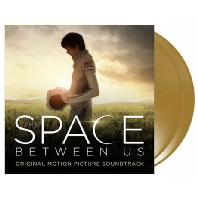 THE SPACE BETWEEN US [180G LP] [스페이스 비트윈 어스]